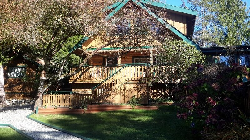 The Shasco House Bed and Breakfast, vacation rental in Barkley Sound