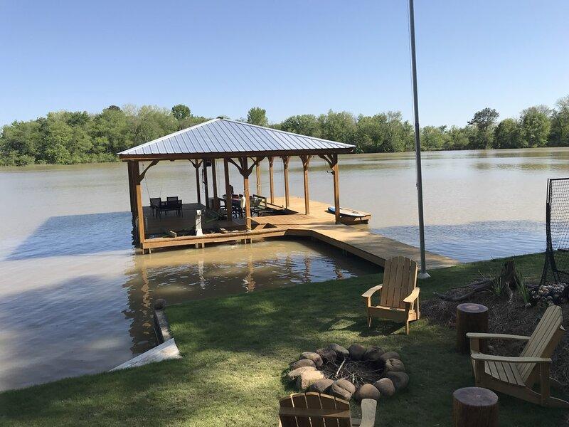Weiss Lake House Vacation Rental, casa vacanza a Cedar Bluff