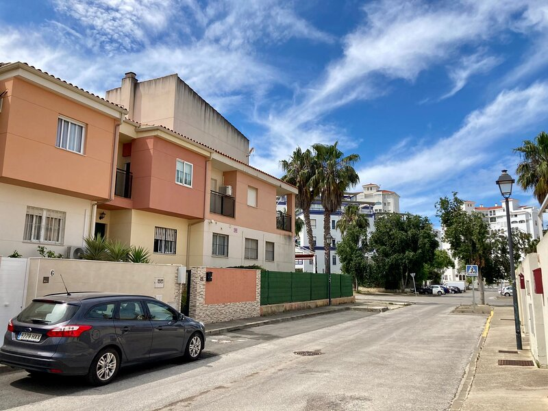 Casa Valdelagrana Playa, Parking y WiFi, holiday rental in Puerto Real