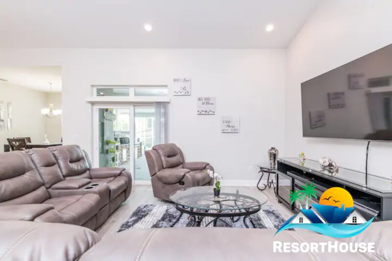 Luxury Villa Resort House, holiday rental in Oldsmar