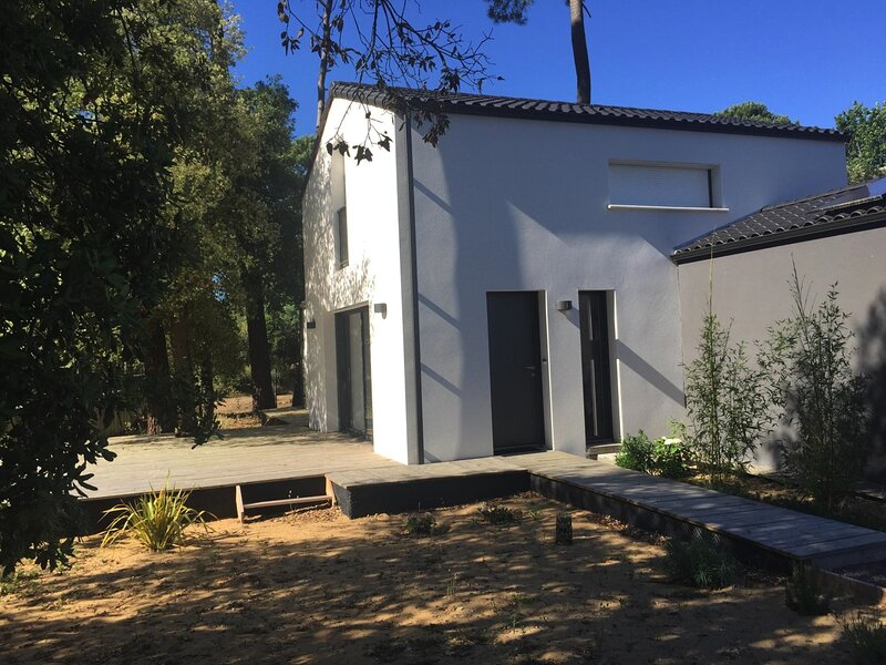 Belle Maison pour 8 pers avec jardin et belle terrasse bois., holiday rental in Jard-sur-Mer