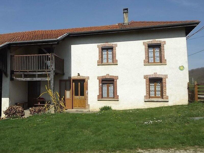 SAINT SIMEON DE BRESSIEUX - 6 pers, 100 m2, 4/3, location de vacances à Beauvoir-de-Marc