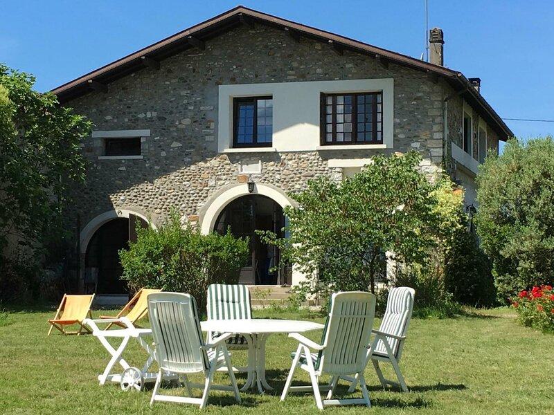 Location Gîte Labastide-Villefranche, 5 pièces, 8 personnes, vacation rental in Escos
