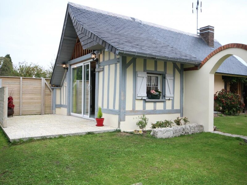 La petite maison, holiday rental in Caudebec-en-Caux