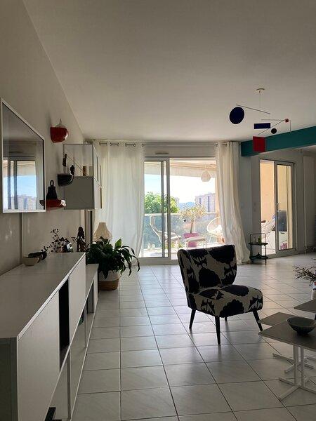Bel appartement avec piscine, holiday rental in La Valette-du-Var