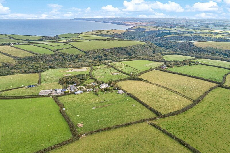 NEW FOR '21: Farmhouse with sea views, N. Cornwall, holiday rental in Crackington Haven