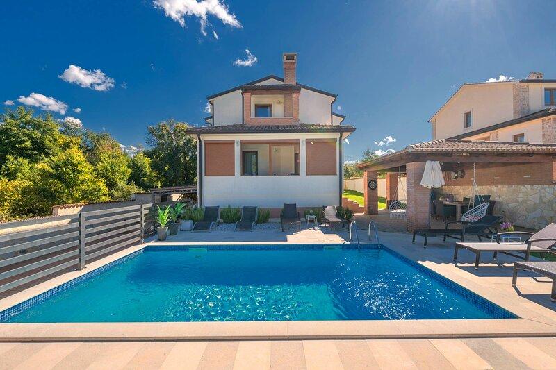 Apartment Jana 1 with pool, location de vacances à Kosinozici
