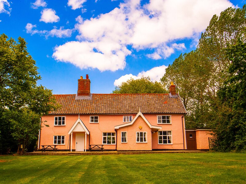 St Michael's House, St Michael South Elmham, holiday rental in Flixton