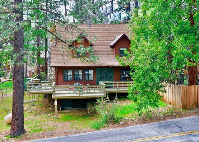 Welcome to Ursa Manor, holiday rental in Pine Cove