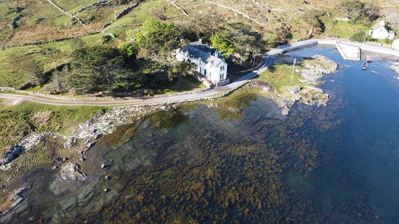 Cannute House - Cannute House set on the shoreline of the Atlantic Ocean along t, holiday rental in Cashel