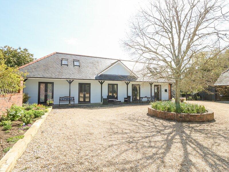 THE COACH HOUSE, barn conversion, en-suite, WiFi, Ref 953419, casa vacanza a Fishbourne