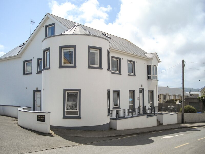 Apartment One, Duncannon, County Wexford, holiday rental in Hook Head