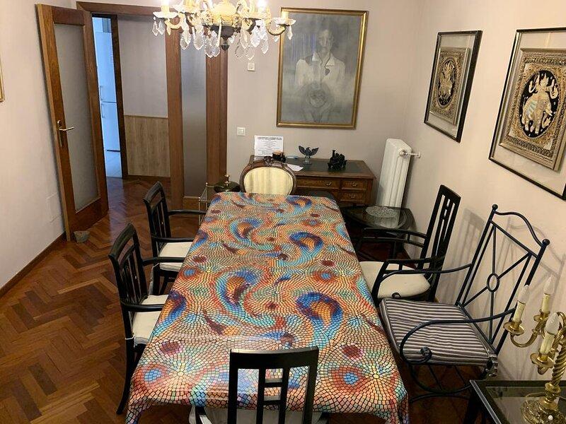 Vivienda Turística Torr en Madrid 120 m²: 3 Hab. 2 Baños Garaje. En Caja Mágica, holiday rental in Leganes