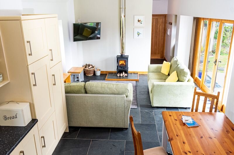 BRADWORTHY SWALLOW PARLOUR   2 Bedrooms - Barn conversion sleeping 4 on a farm s, location de vacances à Bradworthy
