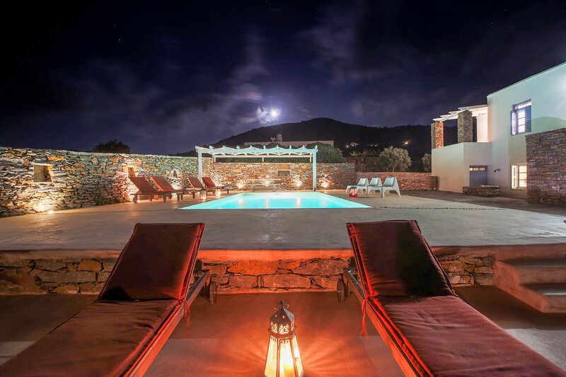Kea Villa Thea & Petra & Ilios Villa(Private Pool), holiday rental in Vourkari