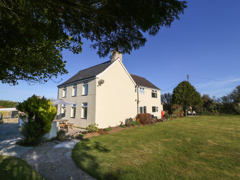 Tyn Rhos, Aberdaron, holiday rental in Rhoshirwaun