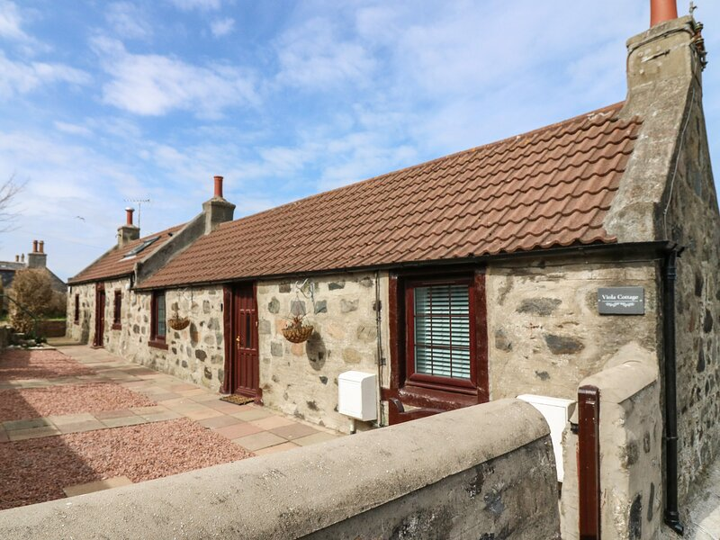 Viola Cottage, Fraserburgh, holiday rental in Cruden Bay (Port Erroll)