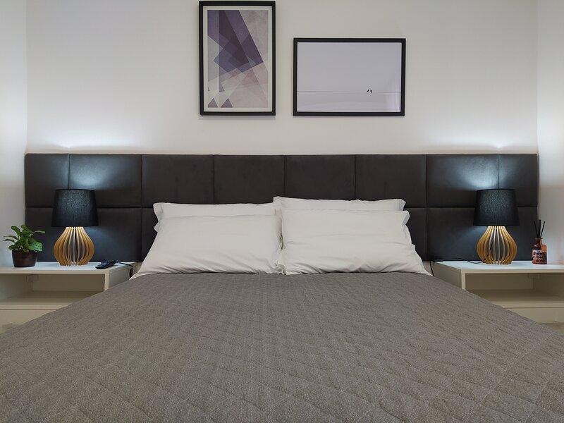 APARTAMENTO ALURI - 2 dormitórios, holiday rental in Viamao