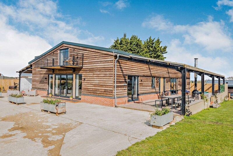 Contemporary Barn Conversion in Radcot, location de vacances à Bampton