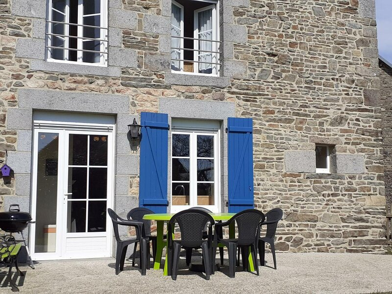 Le Manoir, holiday rental in Sartilly