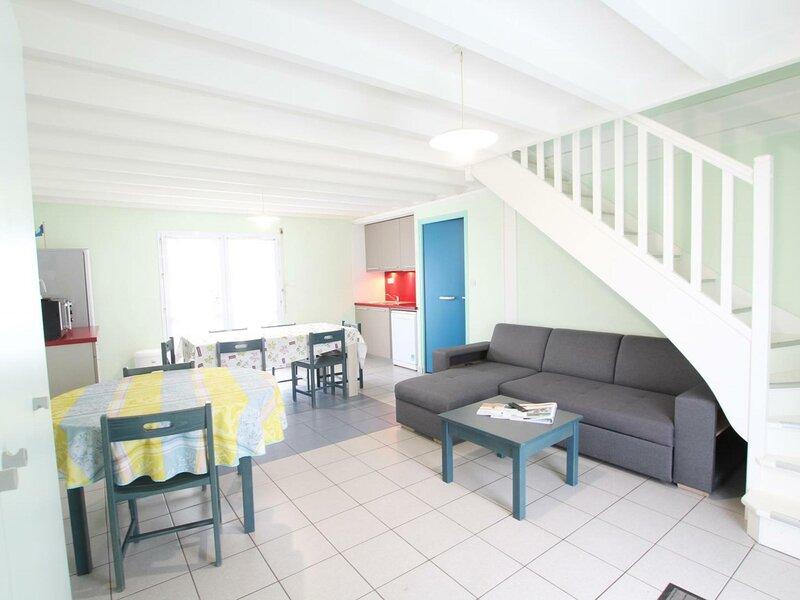 Gîte n° 12 du village Clairefontaine, location de vacances à Grosville