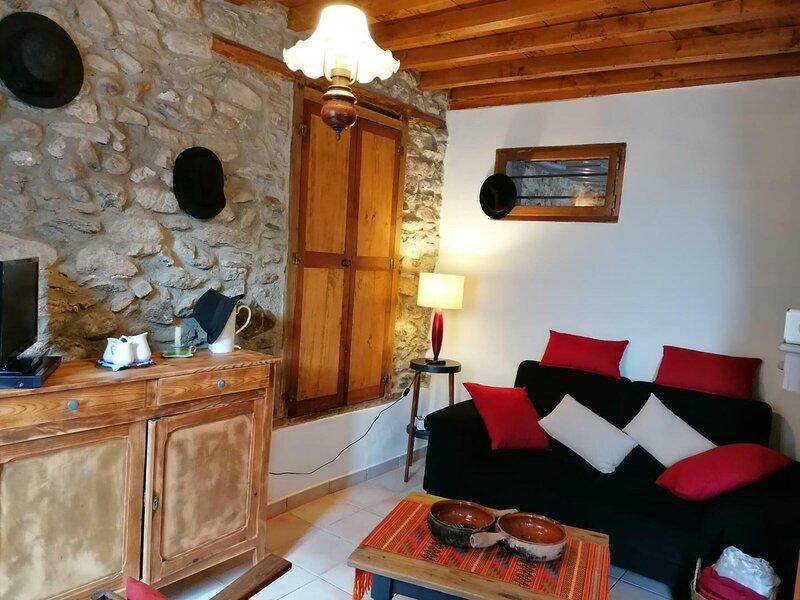 POUSSE CAILLOUX, vacation rental in Ornolac-Ussat-les-Bains