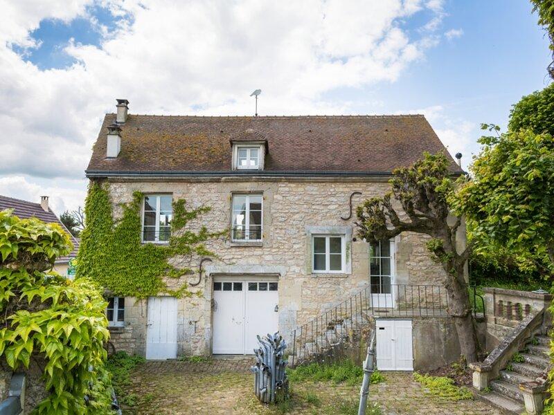 Gîte de la colombe, holiday rental in Berneuil-en-Bray
