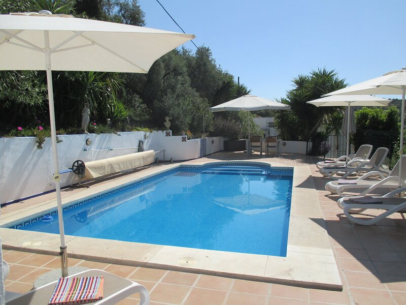 Tranquil 3 Bedroom Cottage with Private Pool and close to Iznajar, alquiler vacacional en Cuevas Bajas