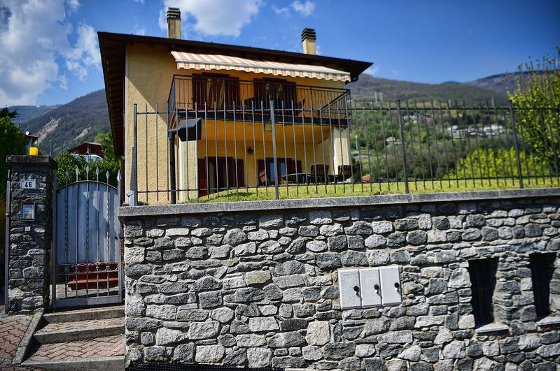 Easy Welcome Casa Alex, vacation rental in Dascio