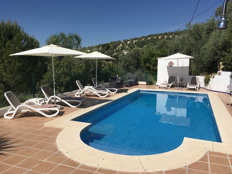 Tranquil 2 Bedroom cottage with private pool, close to Lake Iznajar,, alquiler vacacional en Archidona