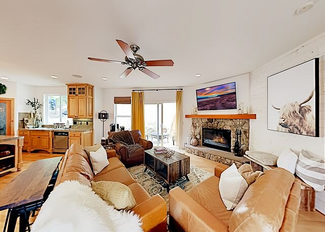 Mountainside Retreat | Chef's Kitchen, Game Room, Fireplaces | Patio & Grill, holiday rental in Blue Jay