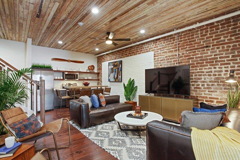 Classic Downtown Savannah Renovation, holiday rental in Rincon