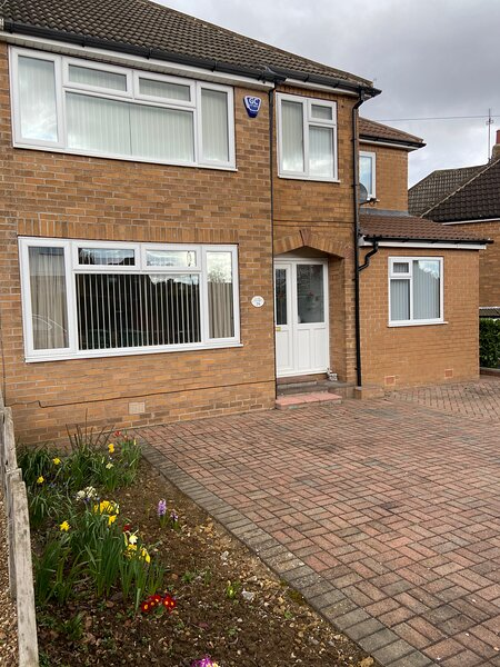 Large family home in Boston Spa Village Yorkshire, holiday rental in Leeds