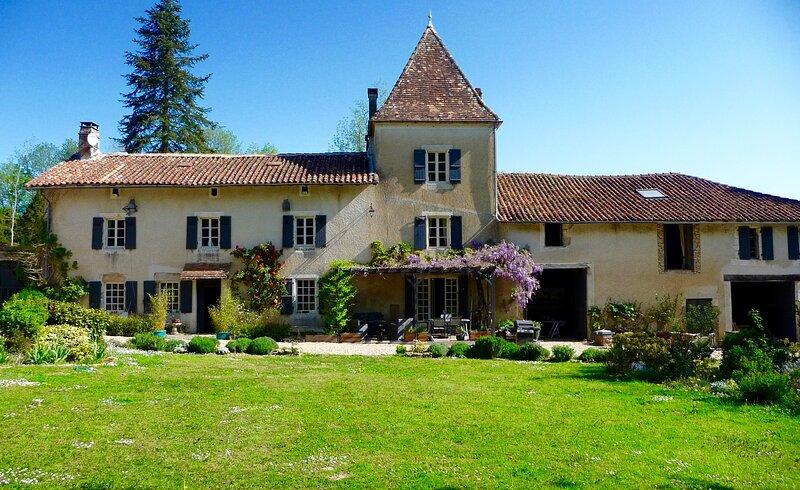 Le Manoir - Luxury Villa SW France, holiday rental in Rouzede