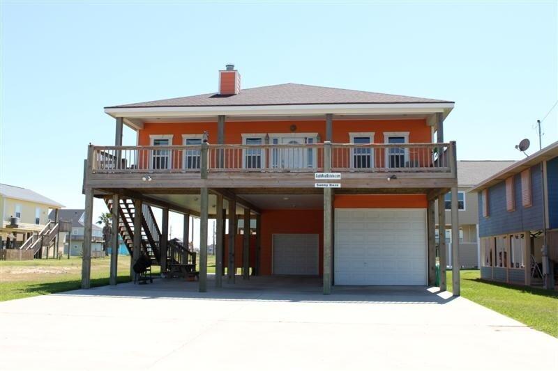 Building,House,Porch,Patio,Cottage
