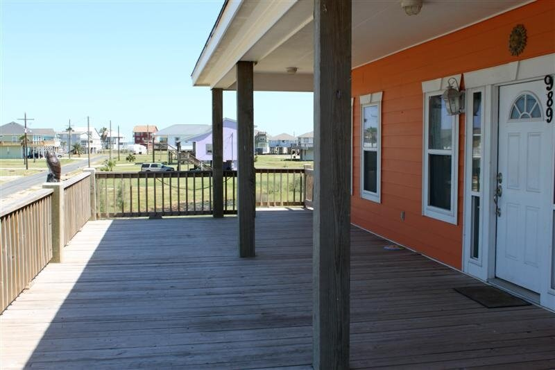 Porch,Railing,Building,Door,Balcony