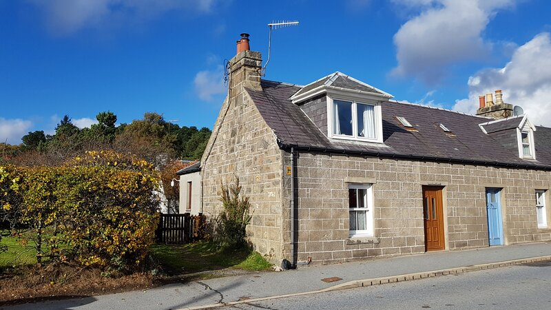Elm Cottage - Highland Holiday Homes, vacation rental in Dalwhinnie