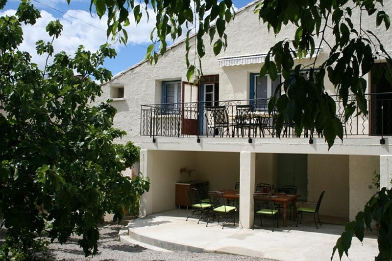 Laurens Holiday Home Sleeps 14 with Pool and WiFi - 5888611, alquiler vacacional en Faugeres