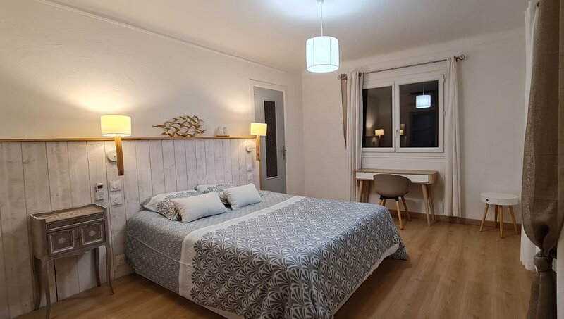 Villa S - Hauteur d'Antibes - Côte d'azur, holiday rental in Biot