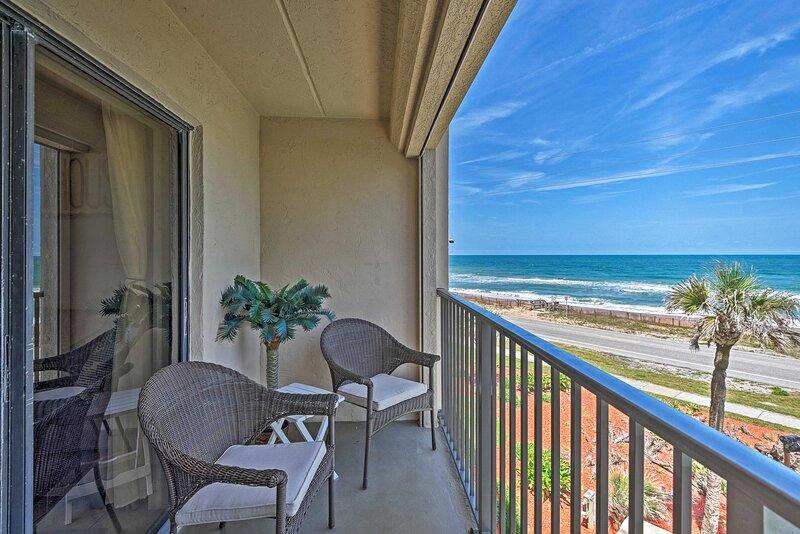 NEW! Oceanfront Ormond Beach Getaway w/ Balcony!, casa vacanza a Ormond Beach