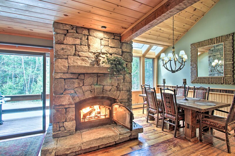 NEW! Attitash Mountain Condo with Ski-In/Ski-Out!, holiday rental in Hart's Location