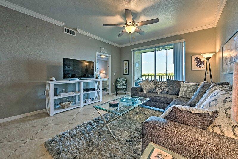 Bradenton Condo w/ Resort Pool, 9 Mi to Dwtn!, holiday rental in Parrish