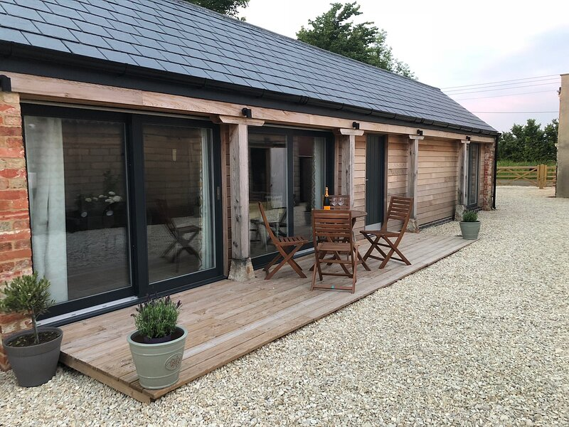 Barn Conversion (with EV charger), holiday rental in Swindon