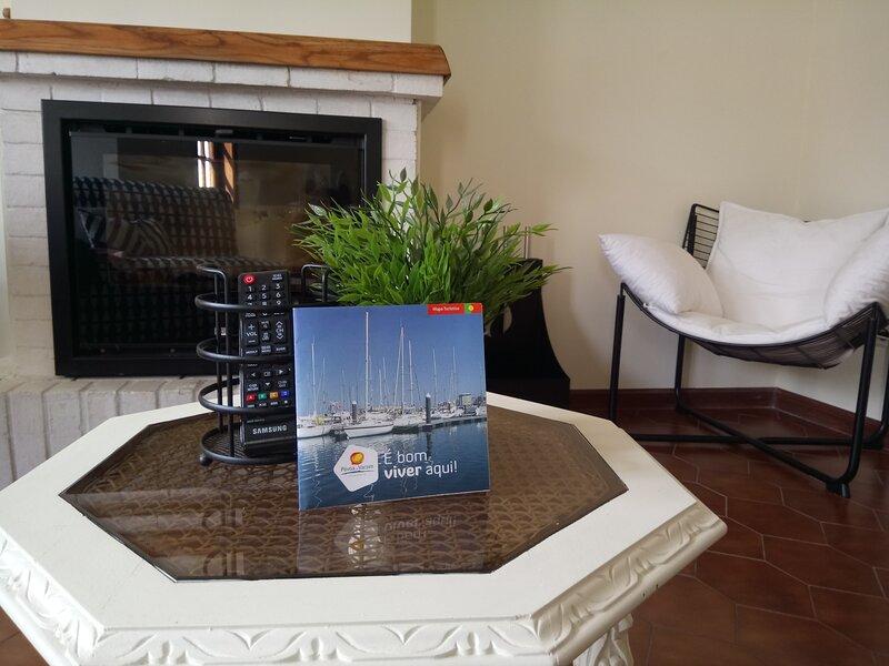 MAISON - CENTRE HISTORIQUE POVOA DE VARZIM, vacation rental in Gondifelos
