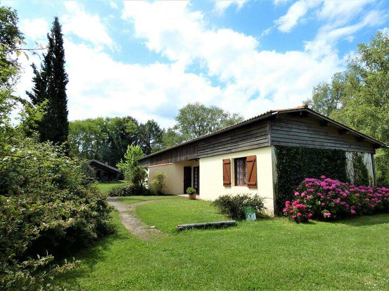 Les Glycines, casa vacanza a Onesse-et-Laharie