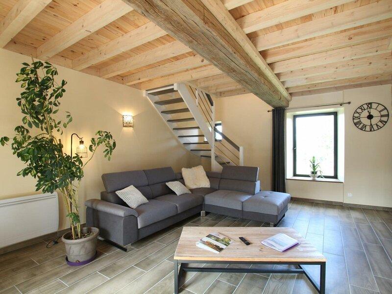 Le Logis, vacation rental in La Lucerne-d'Outremer
