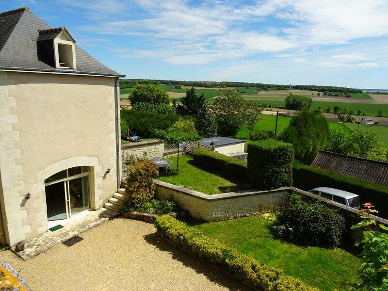 Gîte de La Rochebourdeau, holiday rental in Trogues