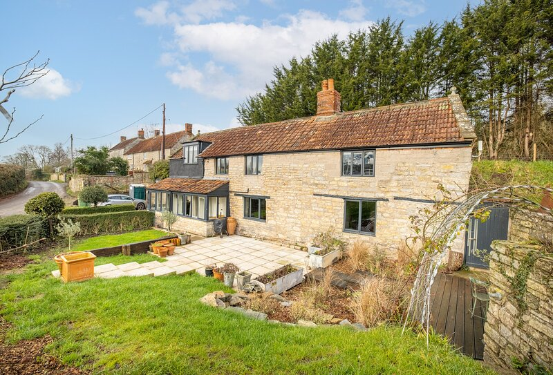 Forge Cottage, holiday rental in Pilton