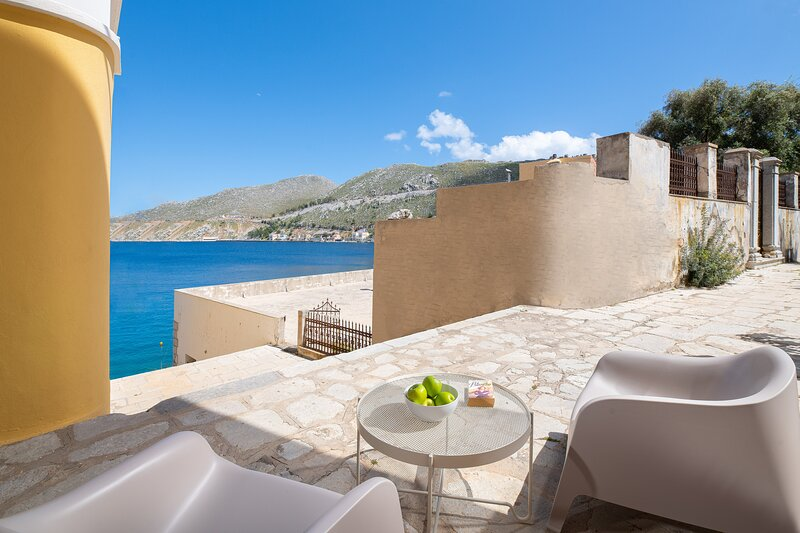 Mouragio View Apartment, holiday rental in Ano Symi