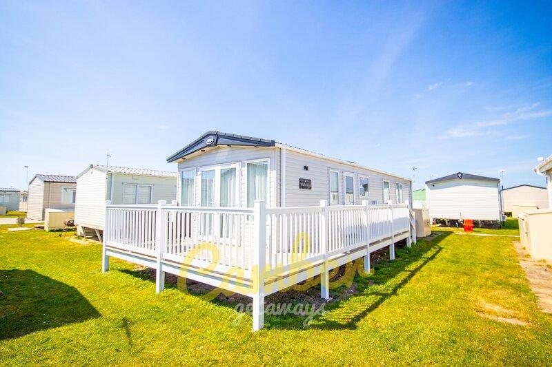 MP713 - Camber Sands Holiday Park - Sleeps 6 + 1 small dog - 2 Bedrooms - Quiet, aluguéis de temporada em Lydd